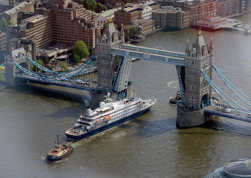 ロンドン橋v.jpg